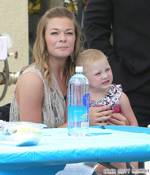 LeAnn Rimes Gains 10 Pounds To Get Pregnant?