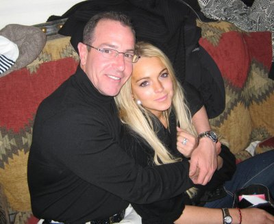 Dad Michael Visits Lindsay Lohan In Rehab