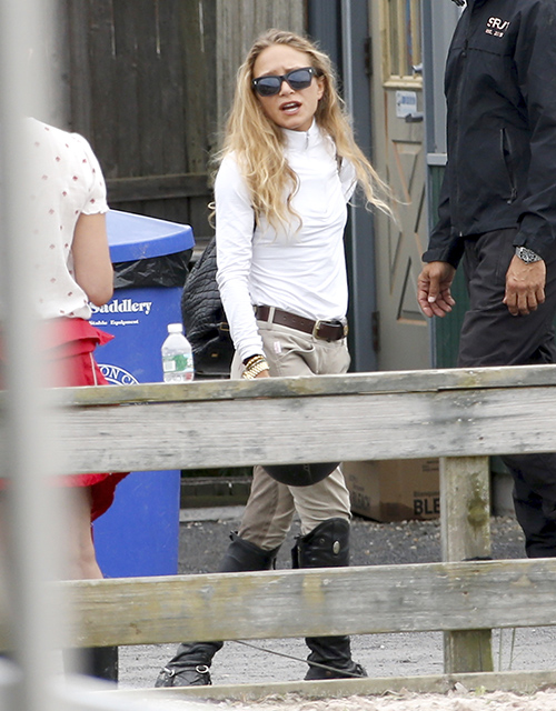 Mary-Kate Olsen Frighteningly Skinny And Sickly In New Bathing Suit Pics: Battling Eating Disorder?