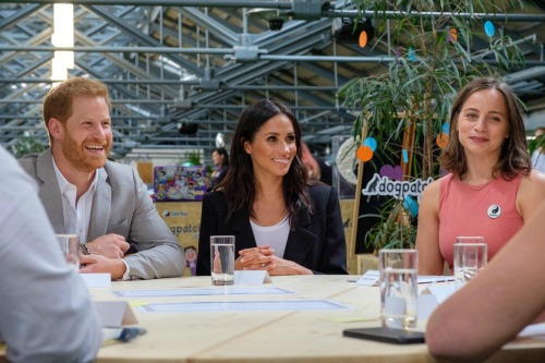 Meghan Markle Takes Center Stage Near The Queen, Leaves Kate Middleton In The Wings