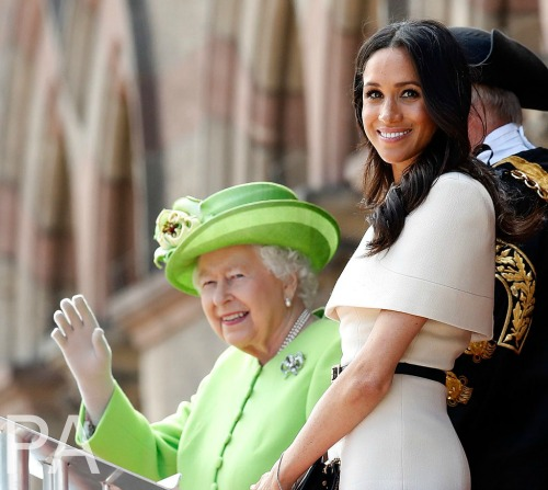 Queen Elizabeth Taking Sides With Meghan Markle In Alleged Kate Middleton Feud