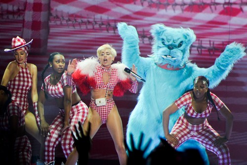 Miley Cyrus Banned From Dominican Republic Performance Due To 'Immorality' - She's Just Too Sleazy!