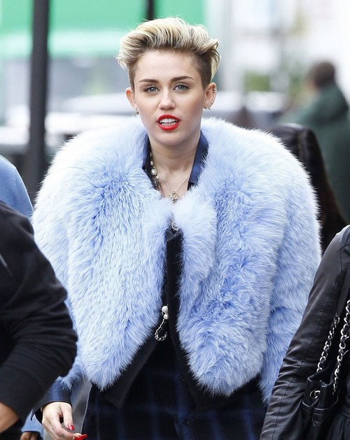 Miley Cyrus Using New Image In Desperate Bid To Keep Liam Hemsworth or To Drive Him Away?