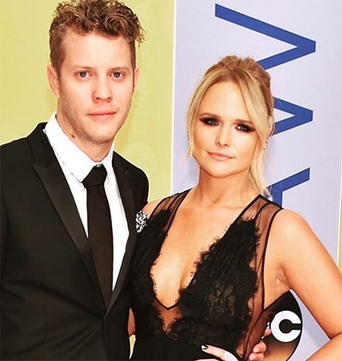 Blake Shelton And Gwen Stefani Ditch 2016 CMA Awards To Avoid Miranda Lambert And Anderson East's Red Carpet Lovefest!