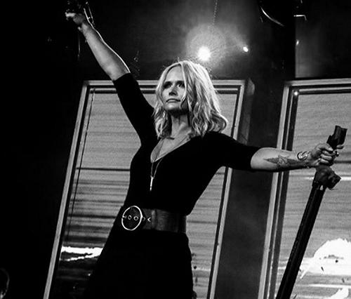 Miranda Lambert Wants Blake Shelton Reunion, Emotional Mess On Stage: Gwen Stefani Infuriated?
