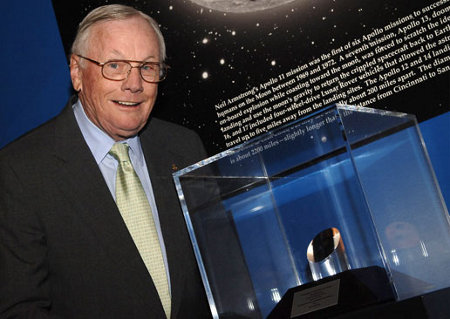 First Man on the Moon Neil Armstrong Dies at Age 82