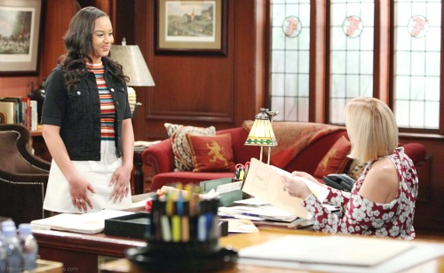 The Bold and the Beautiful Spoilers: Comings and Goings – B&B Star Scores Contract – Another Debut Leads to New Hot Couple