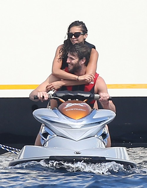Nina Dobrev and Austin Stowell's PDA-Filled Vacation - Revenge on Ian Somerhalder for Twitter Unfollow Snub?