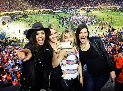 Nina Dobrev Makes Ian Somerhalder Jealous - Uses Tim Tebow - Nikki Reed Furious