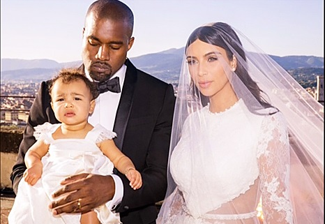 Kim Kardashian Agreed To HAVE A Child, Not To Mother It - Poor North West Continues Being IgNori! (PHOTOS)