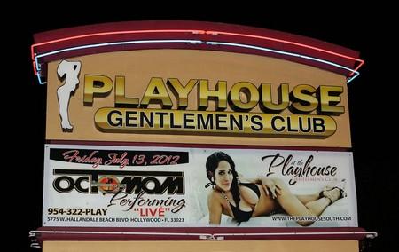 Octomom Nadya Suleman's First Night At The Strip Club (Photos)