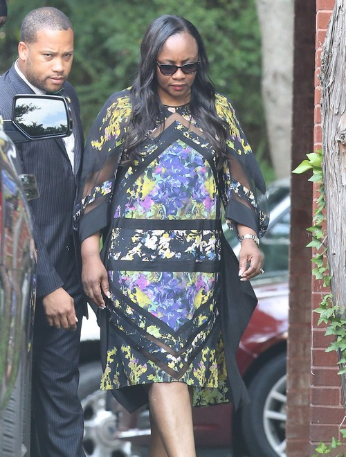Bobbi Kristina Brown Money Grab in Death by Pat Houston: Attacked by Family Heckler Leolah Brown at Funeral