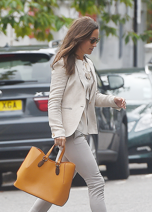 Kate Middleton Excluded From Pippa Middleton's Lunch Date With Carole Middleton - Duchess Too Royal For Family?