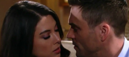 The Young and the Restless Spoilers: Week of September 18 Preview Update - Lily Explodes – Juliet Leans in for a Kiss