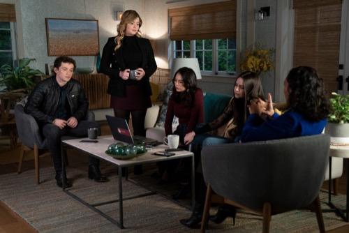 "Pretty Little Liars: The Perfectionists Finale Recap 05/22/19: Season 1 Episode 10 ""Enter the Professor"""