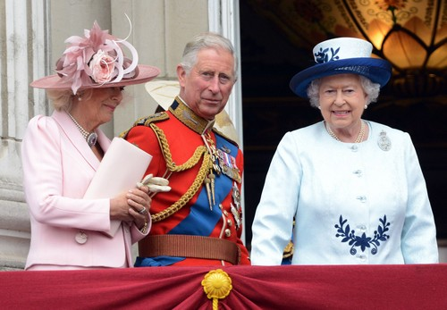 Queen Elizabeth Fears Prince Charles and Camilla Parker-Bowles Regency Act Treachery - Plan to Steal The Throne?