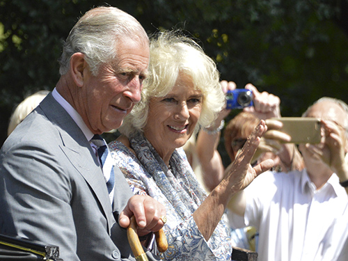 Prince Charles And Camilla Parker-Bowles Fear They Stink In Public, Royal Couple Deals With Severe Social Anxiety?
