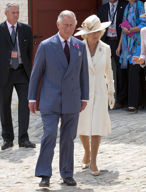 Camilla Parker-Bowles Plastic Surgery: Prince Charles' Wife Underwent Tummy Tuck & Liposuction - World Still Didn't Love Her!