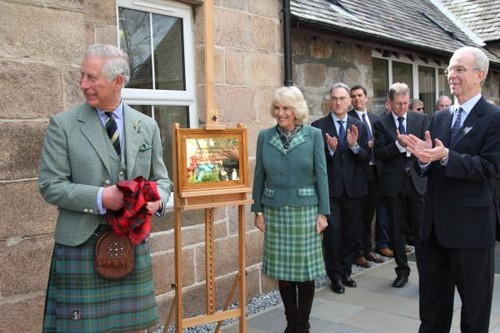 Prince Charles Heads To Scotland: Avoids Kate Middleton Baby Birth, Hates Being Around Carole and Pippa Middleton?