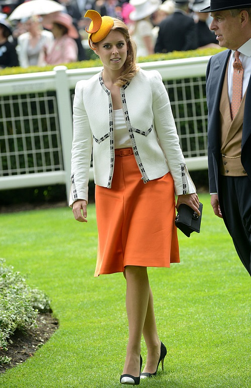 Sarah Ferguson Embarrasses Princess Beatrice in Front of Queen Elizabeth