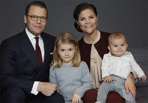 Princess Victoria And Prince Daniel S New Family Pictures Better Than Kate Middleton Photoped Photos