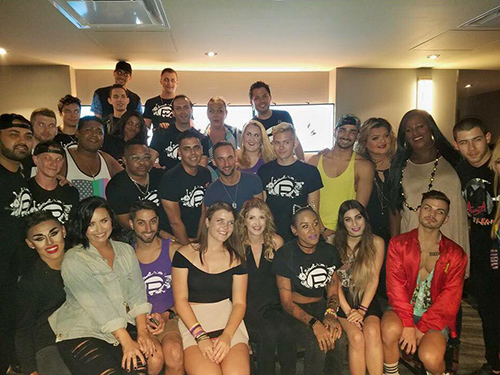 Demi Lovato, Nick Jonas Extend VIP Concert Treatment To Orlando's Pulse Nightclub Staff - Tribute For Victims (PHOTOS)