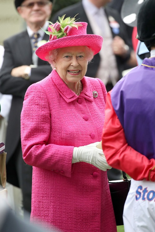 Kate Middleton Amused: Queen Elizabeth Taking Style Tips From The Duchess?
