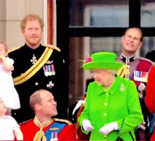 Prince William's Disrespectful Action Scolded By Queen Elizabeth During RAF Flyby: Only Knelt To Check On Prince George!