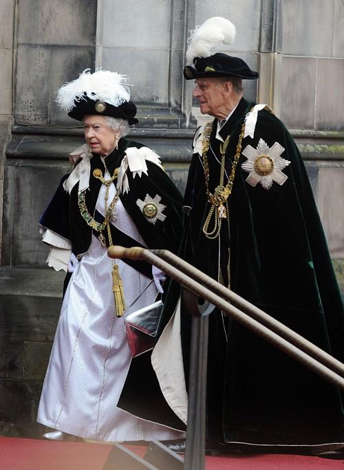 Kate Middleton, Prince William's Legal Action: Baby Prince George's Stalker Danger - Queen Elizabeth Livid