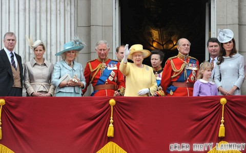 "Queen Elizabeth Battles Artistocracy Over Kate Middleton Family Titles – ""Keep The Commoners Out"""