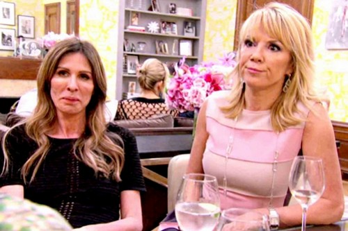 real-housewives-of-new-york-season-6-aviva-drescher-is-throwing-darts-at-carole-radziwill