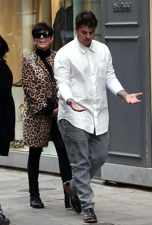 Kris Jenner Tricks Rob Kardashian Into Attending Rehab?