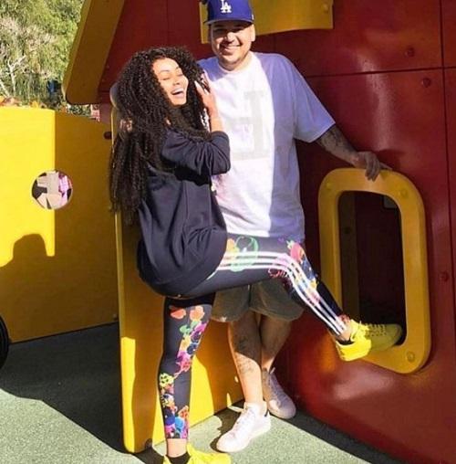 Kris Jenner Hired Lawyers So Rob Kardashian Can Get Full Custody Of Baby Dream