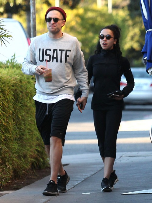 Robert Pattinson and FKA Twigs Getting Married - Rob To Propose On Valentine's Day?