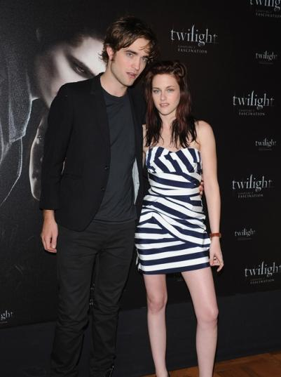 Robert Pattinson And Kirsten Stewart Enjoy Hot Sportive Time On Breaking Dawn Re-Shoot