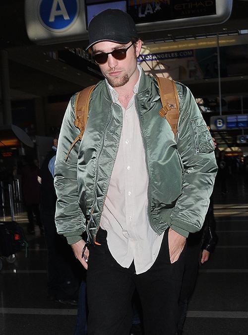 Robert Pattinson & FKA Twigs Departing On A Flight At LAX