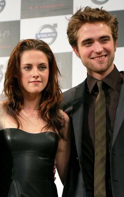 Robert Pattinson Returns To Hometown With Kirsten Stewart