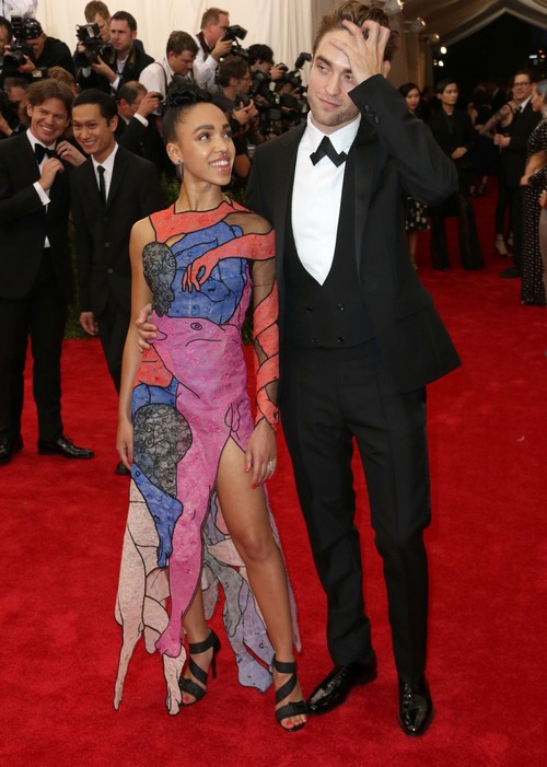 FKA Twigs Overprotective and Possessive of Robert Pattinson at Met Gala - Her Meal Ticket?