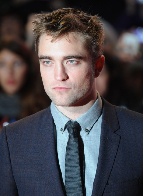 Robert Pattinson Takes Break From Kristen Stewart - Permanent Vacation?