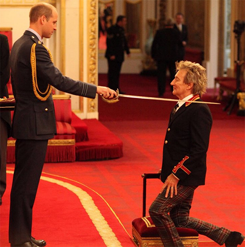 Queen Elizabeth Chooses Prince William To Knight Rod Stewart: Prince Charles An Embarrassment – Not Fit To Be King?