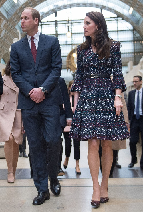 52348377 President of the museum Laurence Des Cars shows Prince William, Duke of Cambridge and Catherine, Duchess of Cambridge around at Musee d'Orsay during an official two-day visit to Paris, France on March 18, 2017. FameFlynet, Inc - Beverly Hills, CA, USA - +1 (310) 505-9876 RESTRICTIONS APPLY: USA ONLY