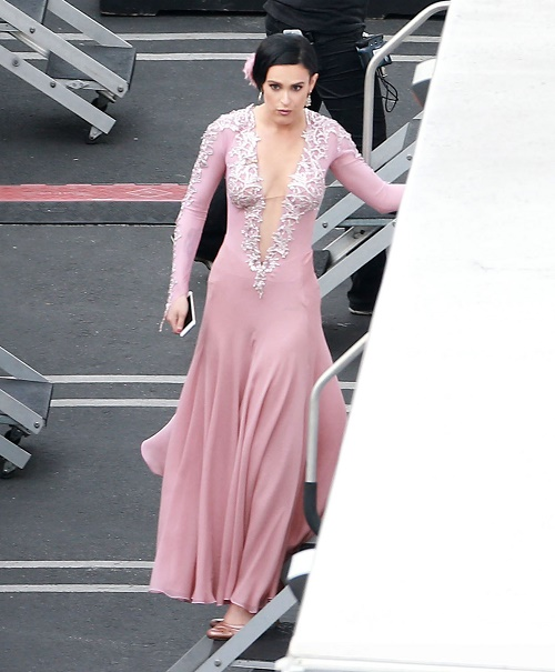 Demi Moore Steals Rumer Willis' Spotlight During 'Dancing With The Stars' Premiere – Trying To Hook Up With Val Chmerkovskiy?