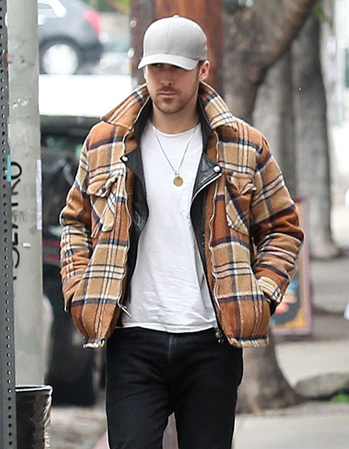 Ryan Gosling Snubs Wife Eva Mendes As Oscars Date, Plans To Bring Mom Instead?
