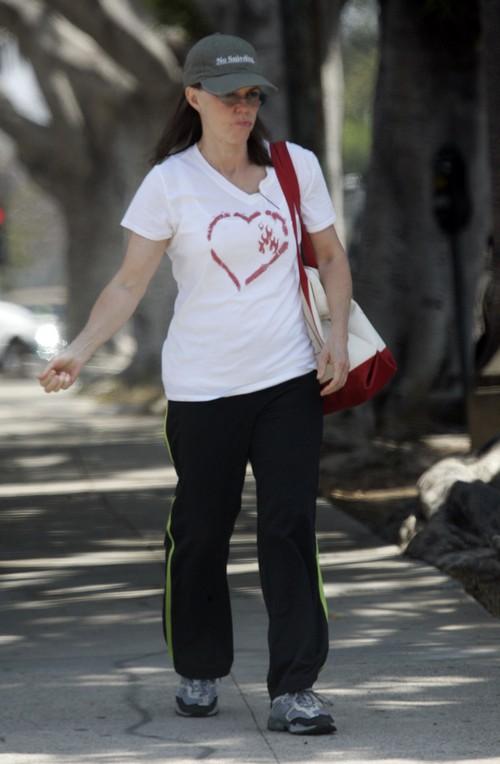 Sally Fields New Boyfriend, Tony Award Winning Rob Howell: Cougar With New Cheeks?