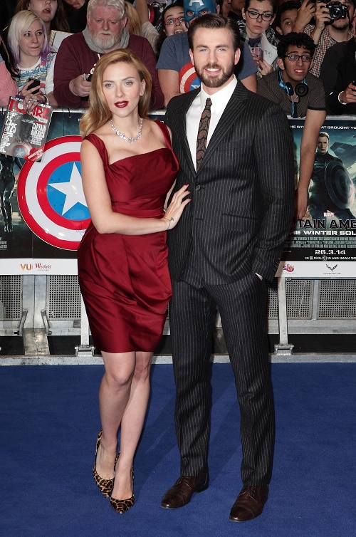 Scarlett Johansson And Chris Evans Dating Now That They're Both Single?