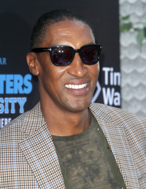 Scottie Pippen Arrested for Punching Autograph Seeking Fan in Face and Kicking him Repeatedly!