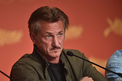 Sean Penn Dating Leila George, Couple Spotted On PDA-Filled Hawaiian Vacation: Leila's Father Vincent D'Onofrio Disapproves?