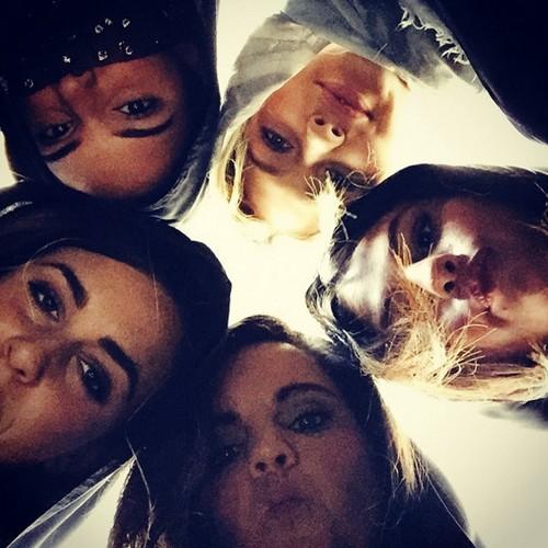 Selena Gomez Takes Kendall Jenner and Gigi Hadid to Dubai: Makes Justin Bieber Jealous after Dating Hailey Baldwin?
