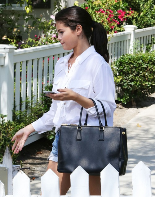 Selena Gomez Just Using Justin Bieber To Promote New Album: SelGo Will Never Date Biebs Again, Revenge For Cheating!