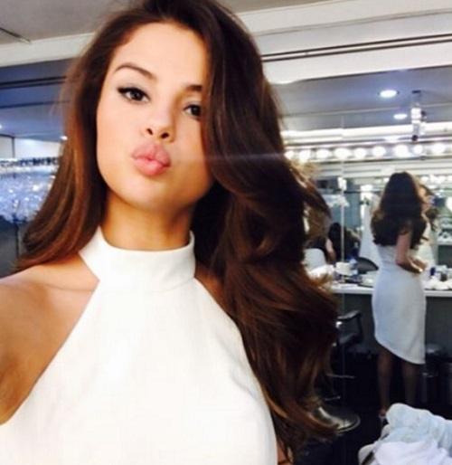 Selena Gomez Back To Disney? Teaser Of 'Hotel Transylvania' The TV Series Surfaces